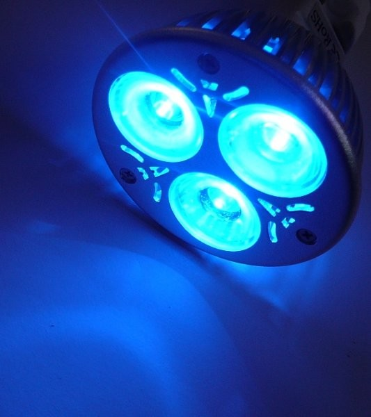 LED barevné žárovky