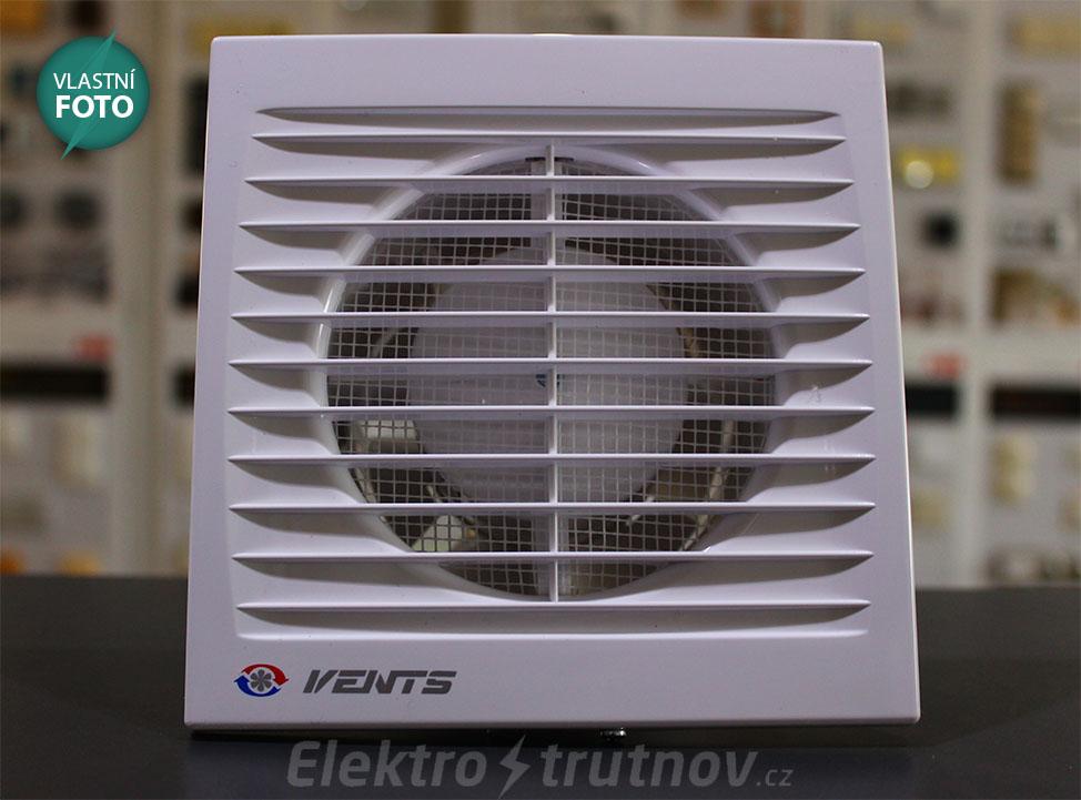 Připojte ventilátor k základní desce